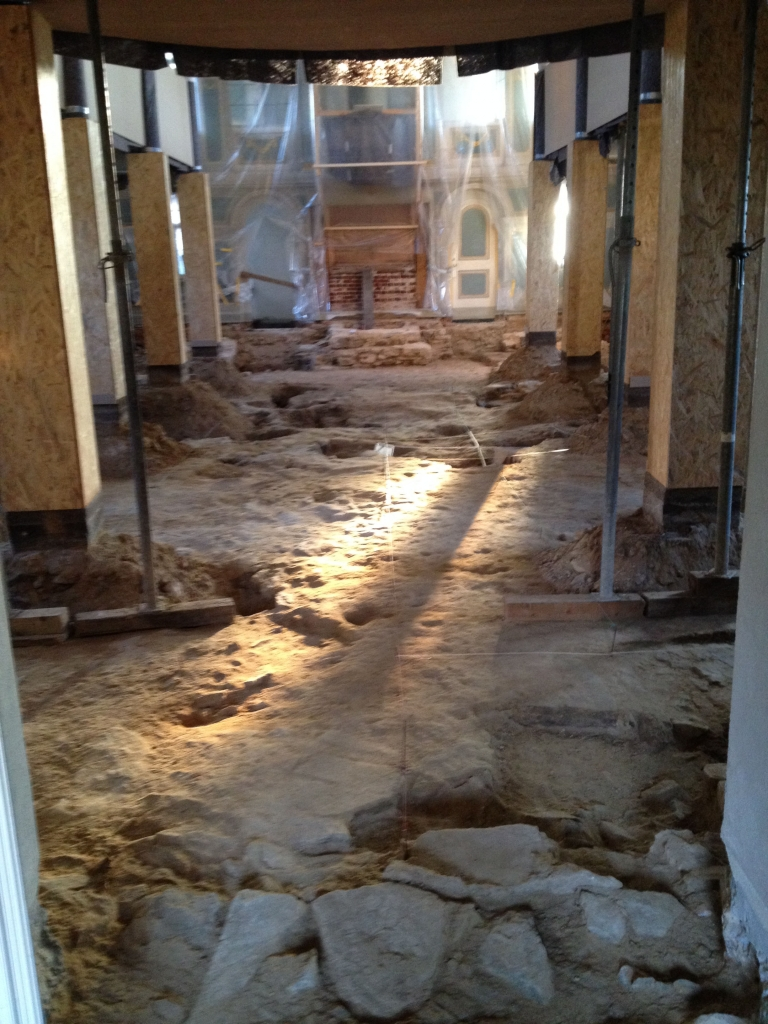 Archäologische Untersuchung des Innenraums